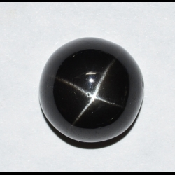 Black star diopside 18.66 ct.